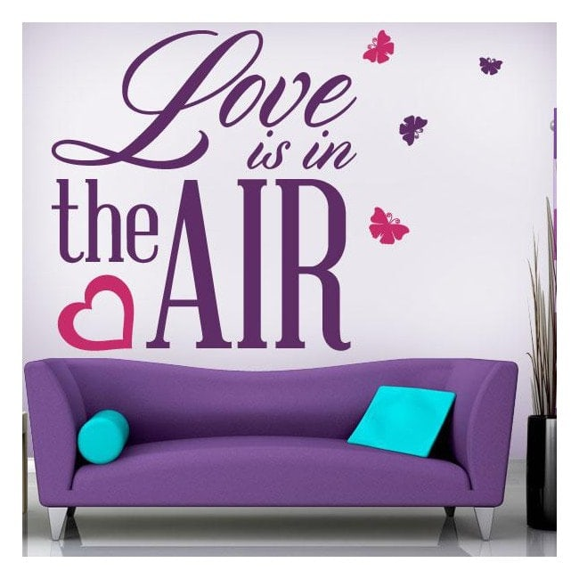 Vinile decorativo frasi Love Is In The Air
