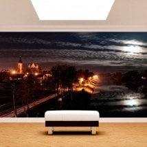 Città di murales parete di foto di notte