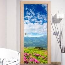 Vinile di porte fiori in montagna
