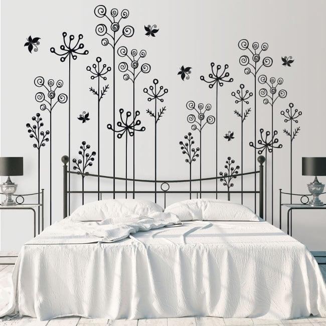 Vinile e adesivi i fiori decorano pareti e oggetti