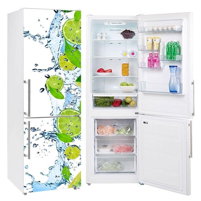 Vinili frigoriferi limoni nell'acqua