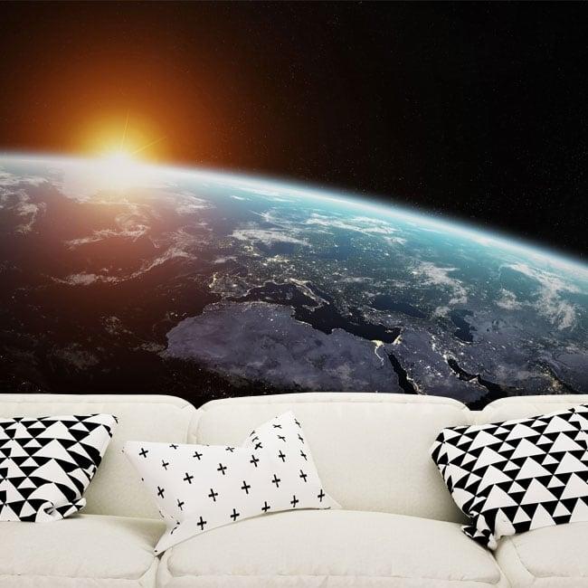 Murales pianeta terra e sole
