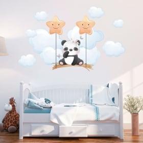 Vinile e adesivi per baby panda sull'altalena