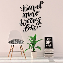 Vinile con frase in inglese travel more worry less